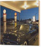 Route 66 Garage Scene Wood Print