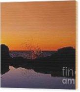 Sea Splashing Wood Print