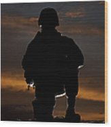 Silhouette Of A U.s. Marine In Uniform Wood Print