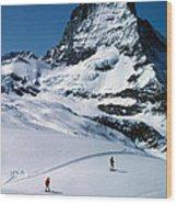 Skiers At The Matterhorn Wood Print