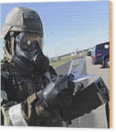 Soldier Uses An M256 Kit To Identify Wood Print