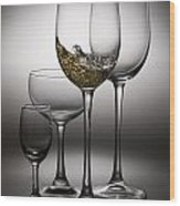 Splashing Wine In Wine Glasses Wood Print