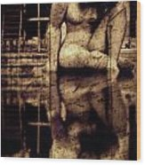 stone in reflexion - Statue reflected in a sea of doubt in vintage process Wood Print