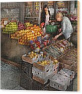 Storefront - Hoboken Nj - Picking Out Fresh Fruit Wood Print by Mike Savad