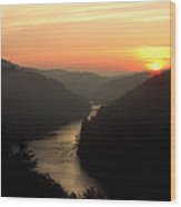 Sunrise Over The Cumberland River At Cumberland Falls State Park Wood Print