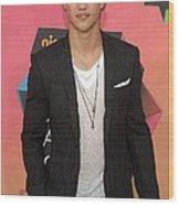 Taylor Lautner At Arrivals Wood Print