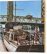 The Florencia And Tower Bridge In Color Wood Print