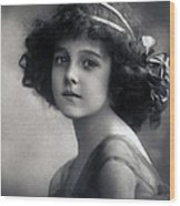 The Litte Angel 1911 Wood Print
