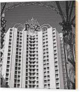 The Plaza Las Vegas  Wood Print by Susan Stone