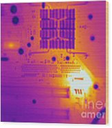 Thermogram Of A Computer Board Wood Print