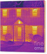 Thermogram Of A House In Winter Wood Print