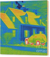 Thermogram Of Car In Front Of A House Wood Print