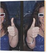 Thumbs Up - Gently Cross Your Eyes And Focus On The Middle Image Wood Print