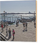 Tourists In Venice Wood Print