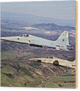 Two F-5e Tiger IIs In Flight Wood Print