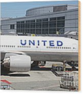United Airlines Jet Airplane At San Francisco Sfo International Airport - 5d17109 Wood Print