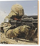 U.s. Air Force Soldier Fires The Mk48 Wood Print