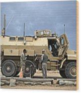 U.s. Army Sergeant Refuels A Caiman Wood Print