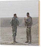 U.s. Army Soldier And German Soldier Wood Print