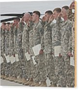 U.s. Army Soldiers And Recipients Wood Print