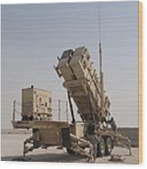 U.s. Army Soldiers Power-up A Mim-104 Wood Print