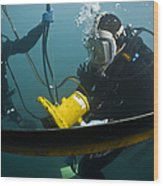 U.s. Navy Diver Instructs A Barbados Wood Print