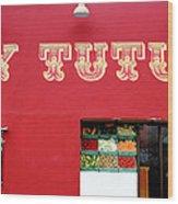 Uy Tutuy Wood Print