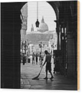Venice Morning Sweeper Wood Print