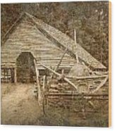 Vintage Looking Old Barn In The Great Smokey Mountains Wood Print