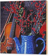Violin With Blue Pot Wood Print by Garry Gay