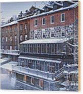 Wakefield Inn Wood Print