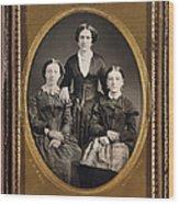 Women C1855 Wood Print