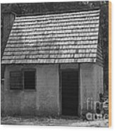 Wormsloe Cottage In Black And White Wood Print