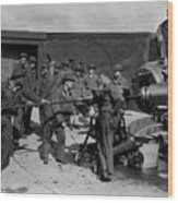 Soldiers Loading Cannon 19171918 Black White Wood Print