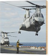 A Ch-46e Sea Knight Helicopter Takes Wood Print