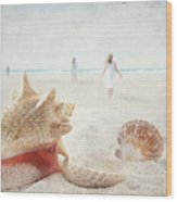 Beach Scene With People Walking And Seashells Wood Print