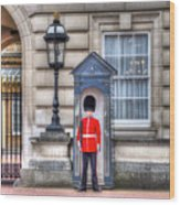 Buckingham Palace Queens Guard Wood Print