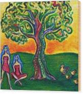 Chicas Y Pollos Wood Print by Brenda Higginson