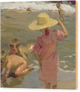 Children On The Seashore Wood Print by Joaquin Sorolla y Bastida