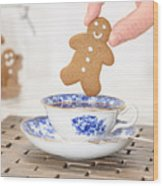 Gingerbread In Teacup Wood Print