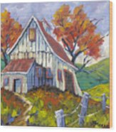 Hillsidebarn Wood Print