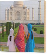 Hindu Women At The Taj Mahal Wood Print by Bill Bachmann - Printscapes