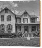 Lincoln Cottage In Black And White Wood Print