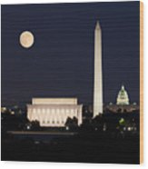 Moon Rising In Washington Dc Wood Print
