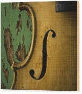 Old Violin Against Green Wall Wood Print