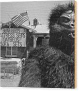 Patriotic Gorilla Pitchman July 4th Mattress Sale Tucson Arizona 1991 Wood Print