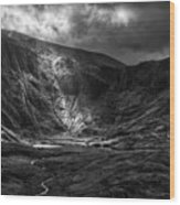 Shaft Of Light At Cwm Idwal Wood Print