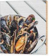 Stewed Fresh Mussels In Spicy Garlic Wine Seafood Sauce Wood Print