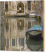 Venice Restaurant On A Canal  Wood Print by Gordon Wood