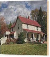 v's House Wood Print